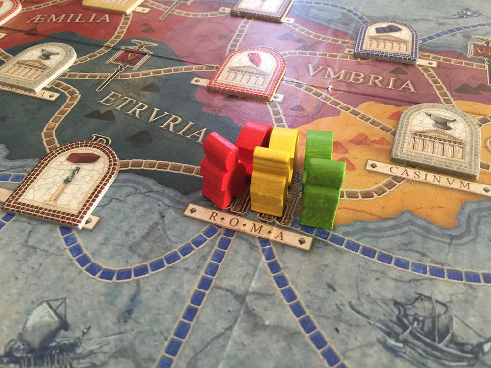 Roma è proprio una città romantica e all'inizio tutti i giocatori vogliono stare vicini vicini...