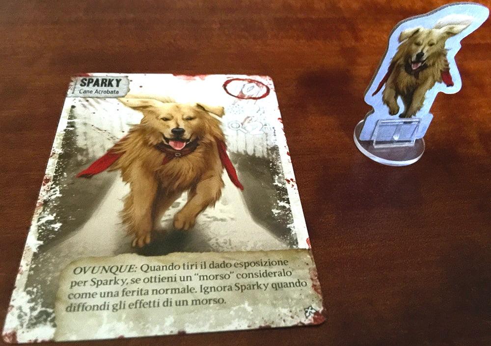 Ecco il cane Sparky: è davvero intelligente e dotato, visto che può maneggiare perfino le armi da fuoco e la ricetrasmittente...