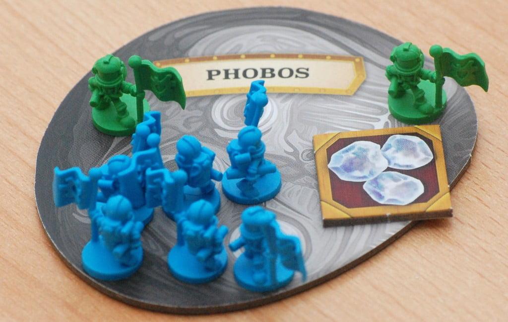 """Su Phobos il blu ha fin troppi astronauti! Certamente si sta preparando a giocare la carta """"militare"""" per farne sbarcare 3 sul pianeta!"""