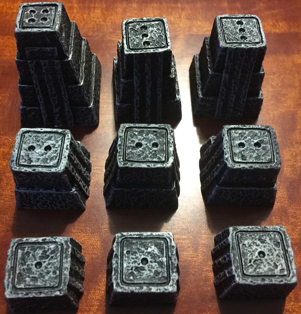 I templi a disposizione di ogni giocatore (in questo caso si tratta del nero) all'inizio del primo periodo di gioco.