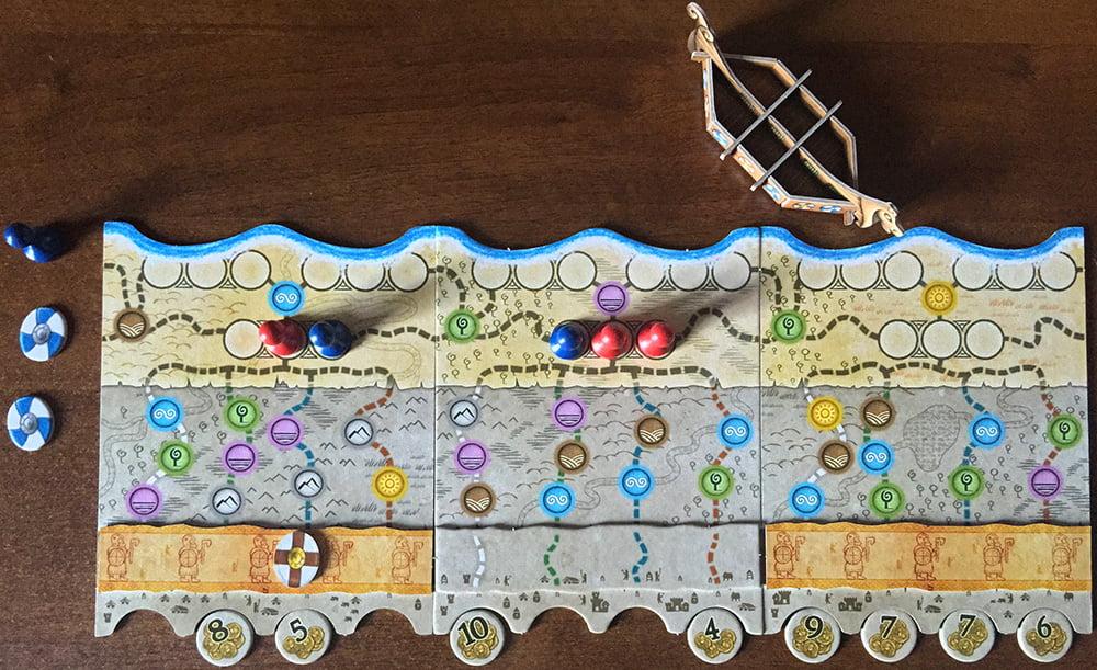 """Il giocatore blu ha deciso di giocare una carta esploratore per recuperare il predone rimasto fuori plancia dopo l'ultimo """"ribaltone""""."""