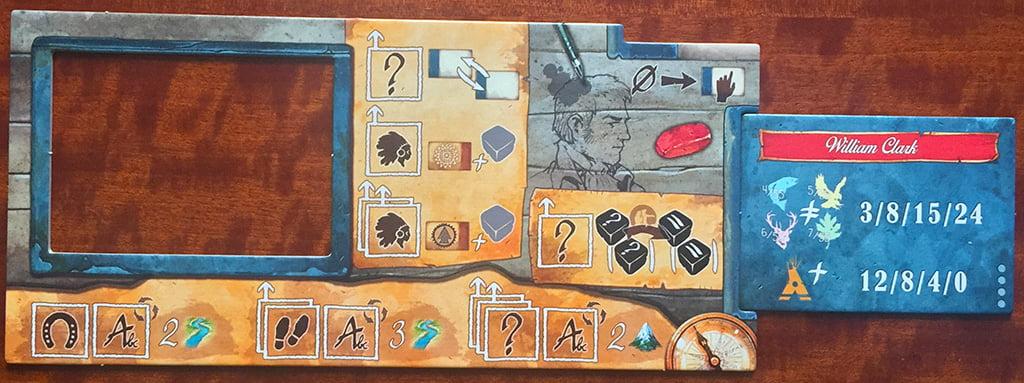 La plancia del giocatore che impersona Clark (di colore rosso), con la relativa copertina del diario (a destra).