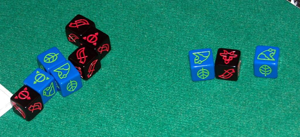 I dadi si consumano per attivare le carte.