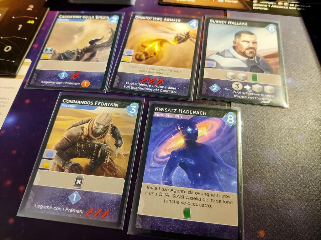 Le carte sono molto varie, quelle più care sono anche molto potenti!
