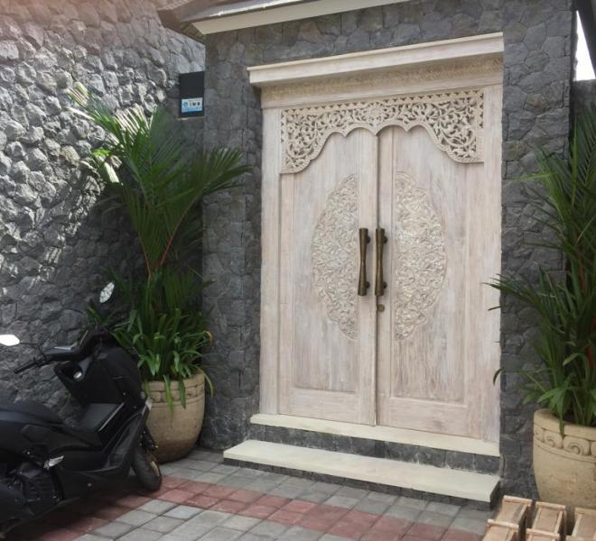 1 Entrance villa