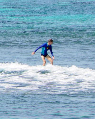bali-kuta-beach-surf