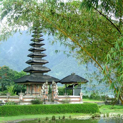 temple-ulun-danu-bratan-2