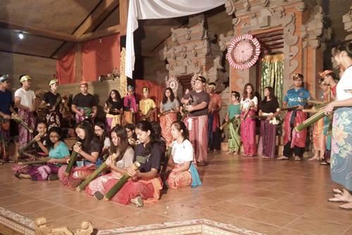 Bali Students Team Building Activities Penglipuran Camp