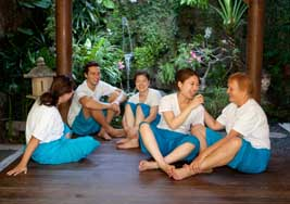 Bali BISA students relaxing in the cozy bale