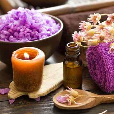 ITEC aromatherapy massage course at Bali BISA using pre-blended aromatherapy oils