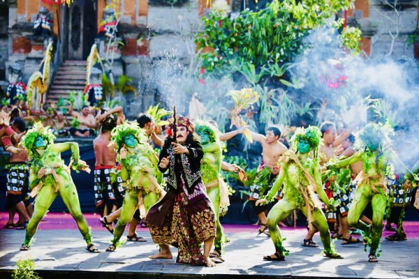 Atraksi Budaya Semarakkan HUT 247 Kota Gianyar