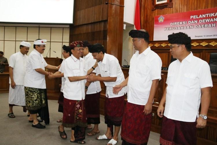 Gubernur Koster Lantik Suryawan Jadi Direktur Utama Perusda Bali