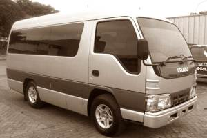 Mini Bus Car Rent at Bali Kuno 02
