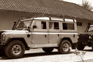 Rent Land Rover in Bali Kuno 01
