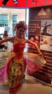 DwiBhumi Balinese dans bruiloften bedrijfsfeesten Ijssalon Capri Pasar Keliling Theater De Vaillant in Den Haag