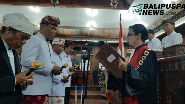 pelantikan unsur pimpinan Dewan DPRD Klungkung.