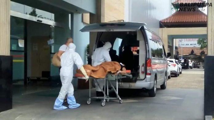 Salah satu warga asing mendapatkan perawatan instensif di salah satu RS di Bali