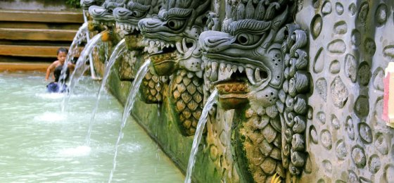 Beautiful Fountain Banjar Hot Spring – North Bali Tourist Destinations