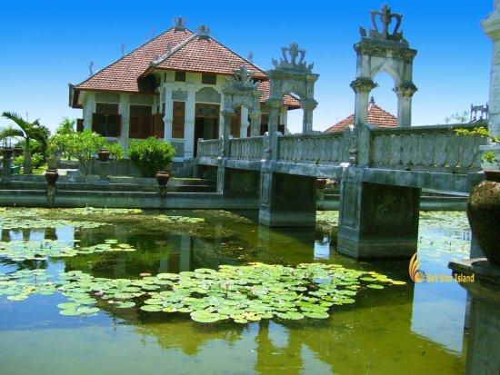 heritage sites, bali heritage sites, taman, sukasada, ujung, karangasem, bali, taman sukasada, taman ujung, tourists, tourist destinations, places to visit