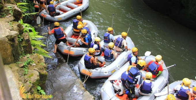 Bali Adventure Tours – Rafting at Ayung River
