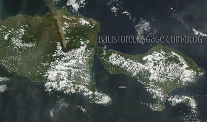 Sattelite image of Gunung Raung volcano and ash cloud over Bali