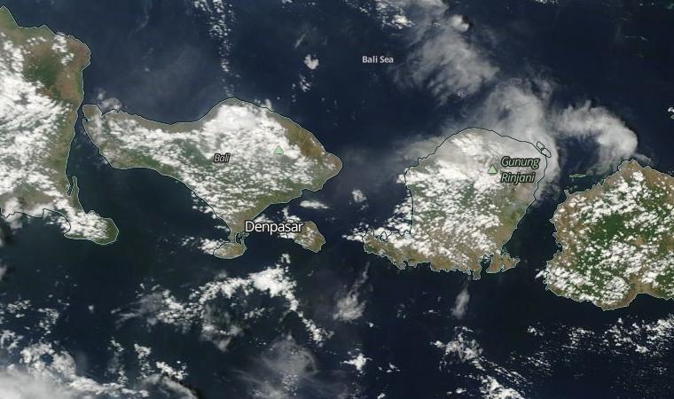 Lombok ash cloud