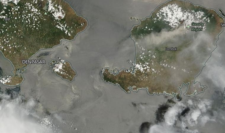 Rinjani volcano ash cloud