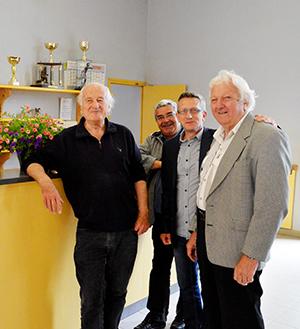 Photo : Jacques Collin sur la gauche.