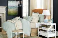 10 Ways to Place Your Bed in Front of a Window - How To ...