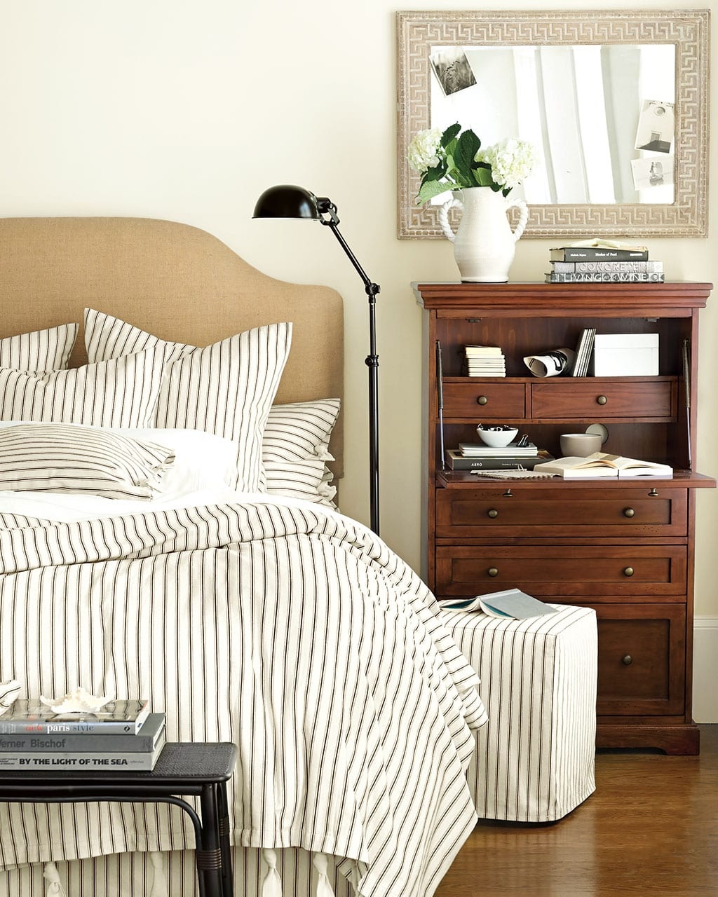 10 Unexpected Bedside Tables How To Decorate