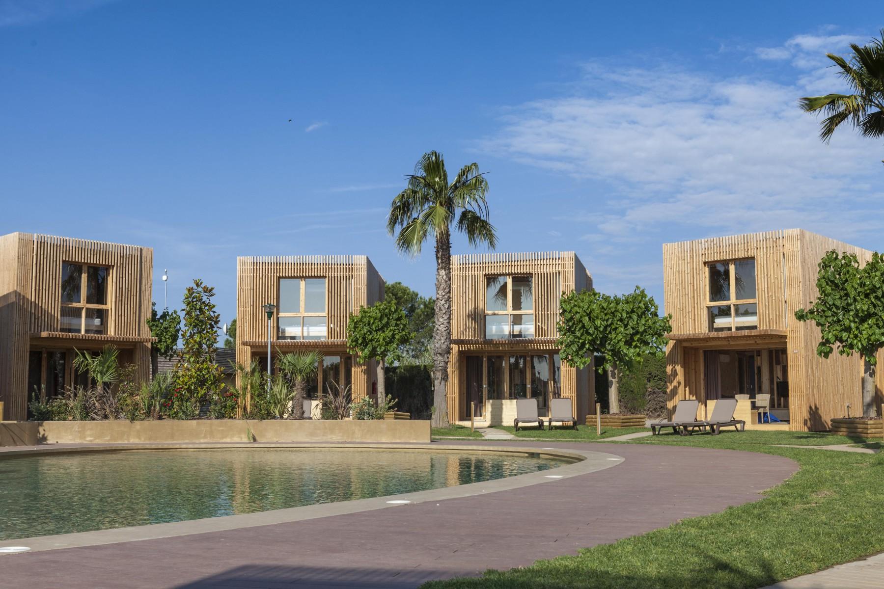 Xaloc duplex  Camping  Bungalow Resort La Ballena