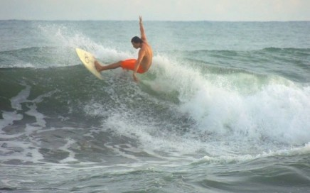 Surf Season has arrived on the Ballena Coast of Dominical in Costa Rica!