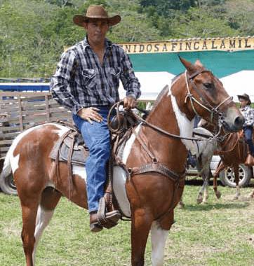 480 Horse Riders - Osa, Uvita - Ballena Tales Magazine & Travel Guide