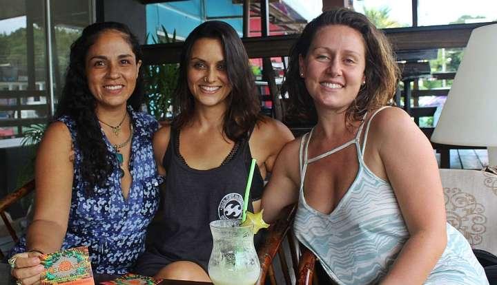 El Mercado in Bahía Ballena - The girls behind the initiative