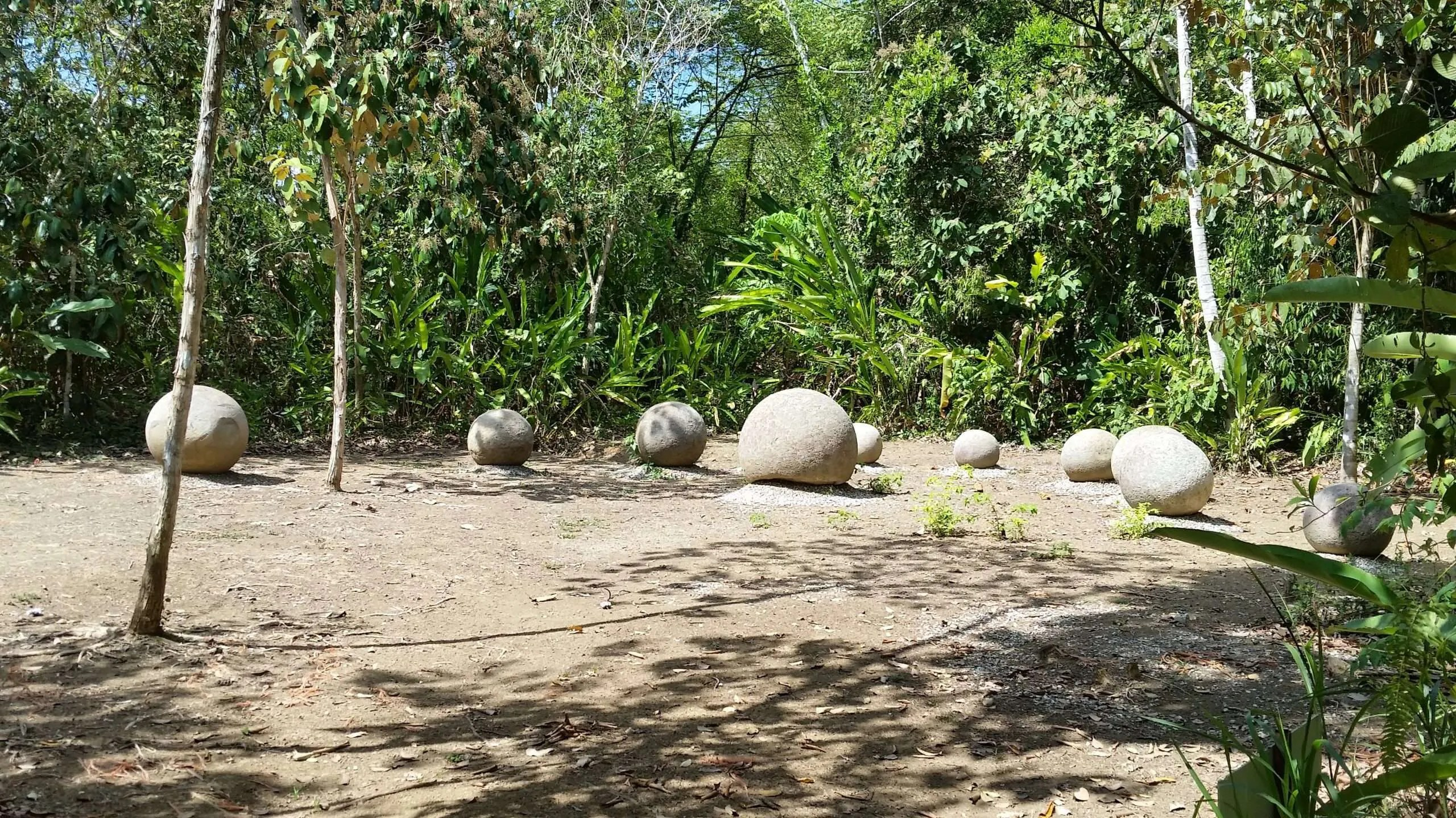 THE DIQUIS STONE SPHERES