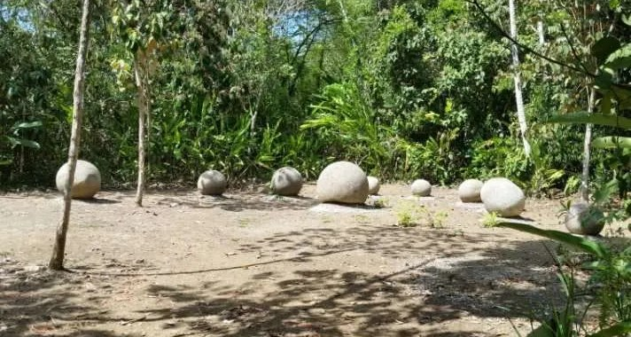 "Die größte präkolumbianische Steinkugel in ""El Silencio"" 4"