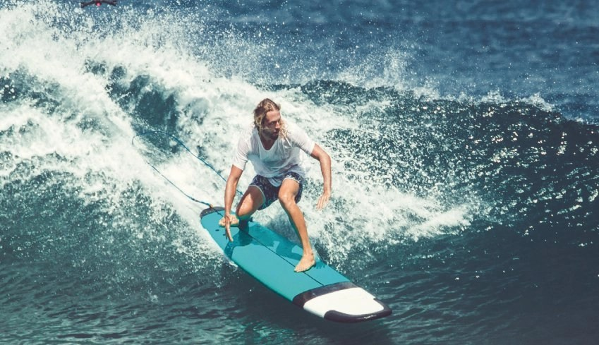 Comprehensive Magazine #78, Comprehensive Magazine, surf season in Dominical Costa Rica