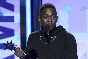 Kendrick Lamar wins at BET Awards 13