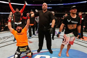 Johny Hendricks Claims Welterweight Title At UFC 171