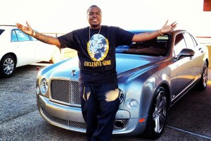Sean Kingston and his Bentley