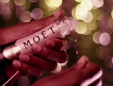 Moët & Chandon - L'ascenseur Moet Nectar Imperial Rose (Ad Spot)