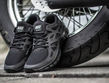 Nike Free Run 2 'Triple Black'