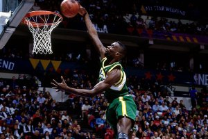 Throwback: Top 10 NBA Plays (Dec. 1994)