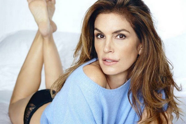 Unretouched Photo Of Cindy Crawford A Fake