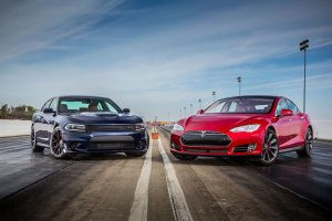 Drag Race: Dodge Charger Hellcat vs. Tesla Model S