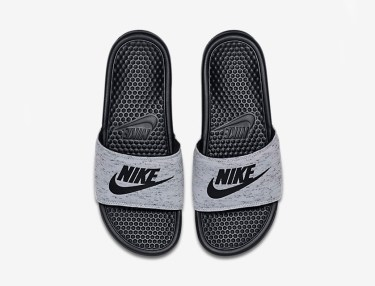 Nike Benassi Slides - Tech Fleece