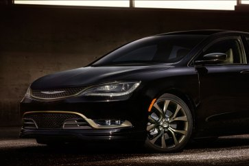 Chrysler Introduces 2016 200S, 300S Alloy Edition