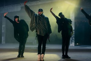 Chris Brown ft. Usher & Gucci Mane - Party (Video)