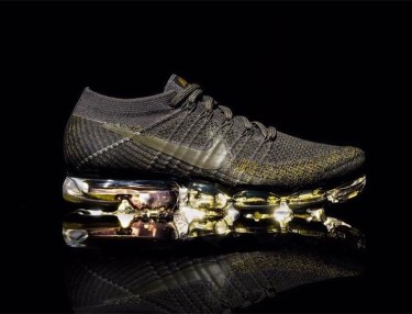 Nike Air VaporMax Black Gold
