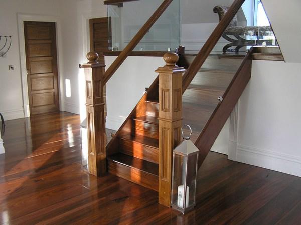 Walnut-stairs-ballingearyjoinery.ie3.JPG